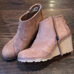 Camel suede TOMS camel wedge ankle booties size7